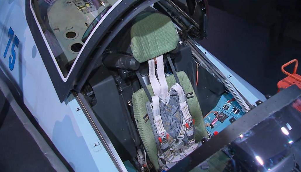 Кабина Checkmate Су-75 изнутри